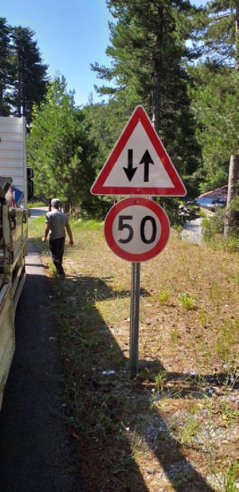 Büyükşehir'den trafiğe levhalı önlem