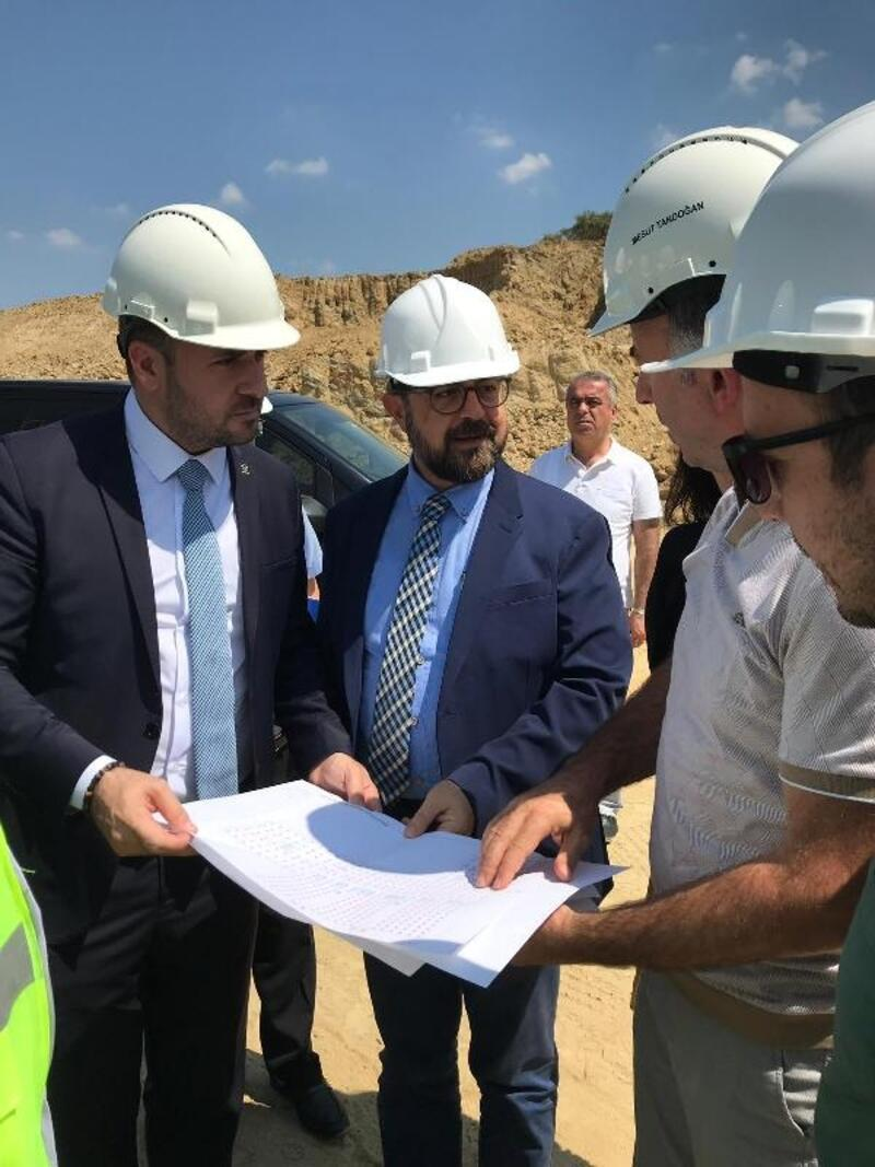AK Parti İl Başkanı Bağatar, Yalova Devlet Hastanesi'nin şantiyesinde incelemeler yaptı