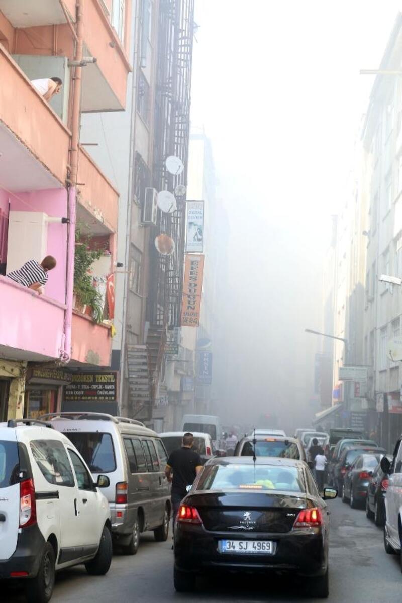 Tamirhanede yangın çıktı vatandaş nefes almakta zorlandı