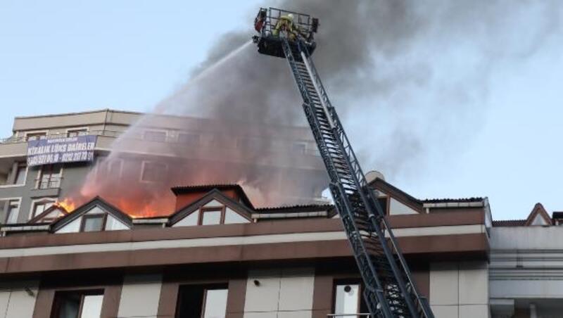 Şişli güne alevlerle uyandı, çatı katı alev alev yandı