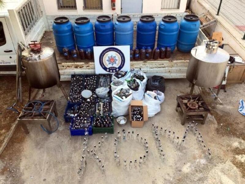 Didim'de kaçak içki üretilen depoya polis operasyonu: 3 gözaltı