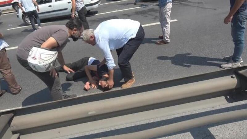 TEM Otoyolu'nda karşıdan karşıya geçmeye çalışan yayaya araç çarptı