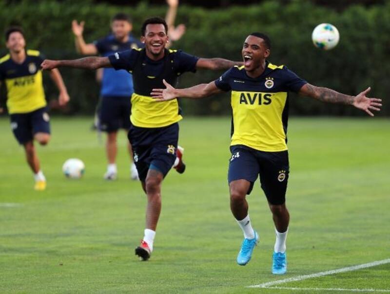 Fenerbahçe yeni sezon hazırlıklarını sürdürüyor
