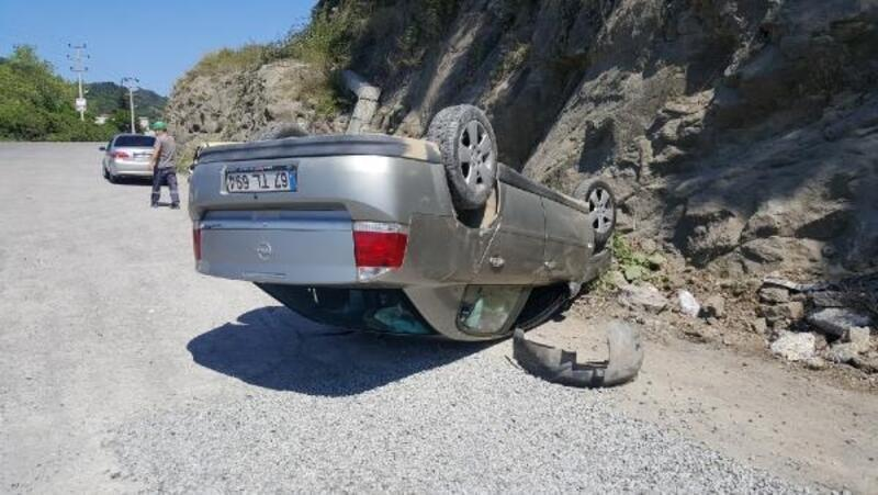 İki kazada yaralılara yoldan geçen doktorlar müdahale etti