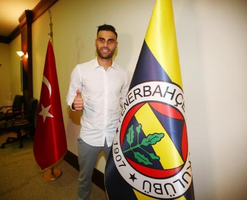 Deniz Türüç: Fenerbahçe ailesinin parçası olduğum için çok mutlu ve gururluyum!