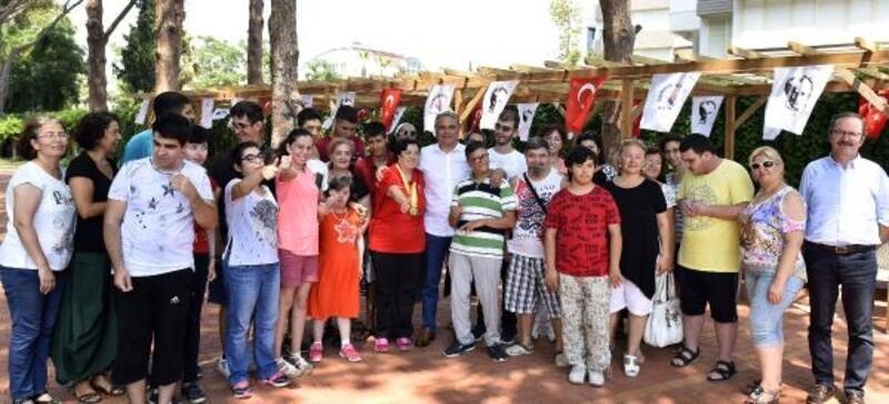 4 madalyalı Avrupa Şampiyonu Benay'a özel kutlama
