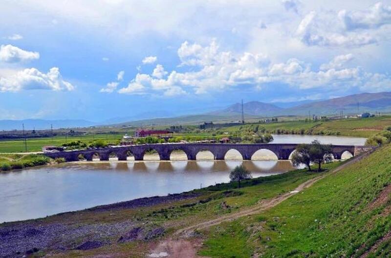 Tarihi Murat Köprüsü ve çevresi turizme kazandırılacak