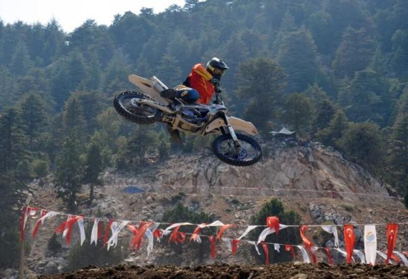 Kumluca'da motokros yarışması