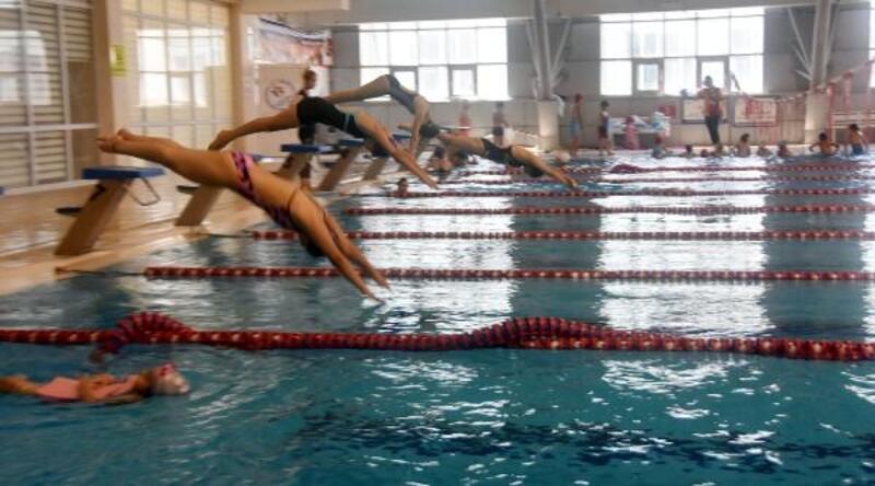Van'daki olimpik havuzda geleceğin yüzücüleri yetiştiriliyor