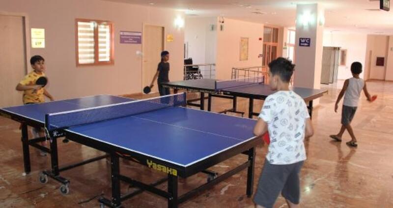 Elmalı'da ücretsiz masa tenisi kursu