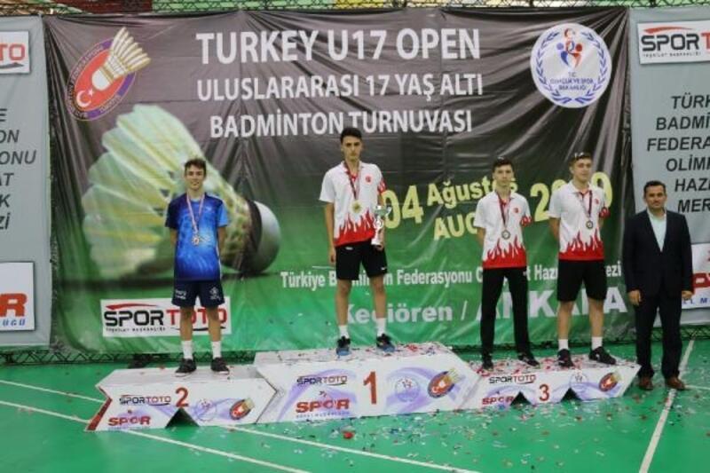 Türkiye badmintonda 5 kategoride şampiyon