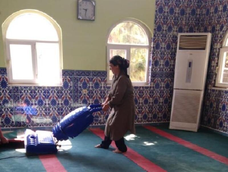 İslahiye Belediyesi camileri temizliyor
