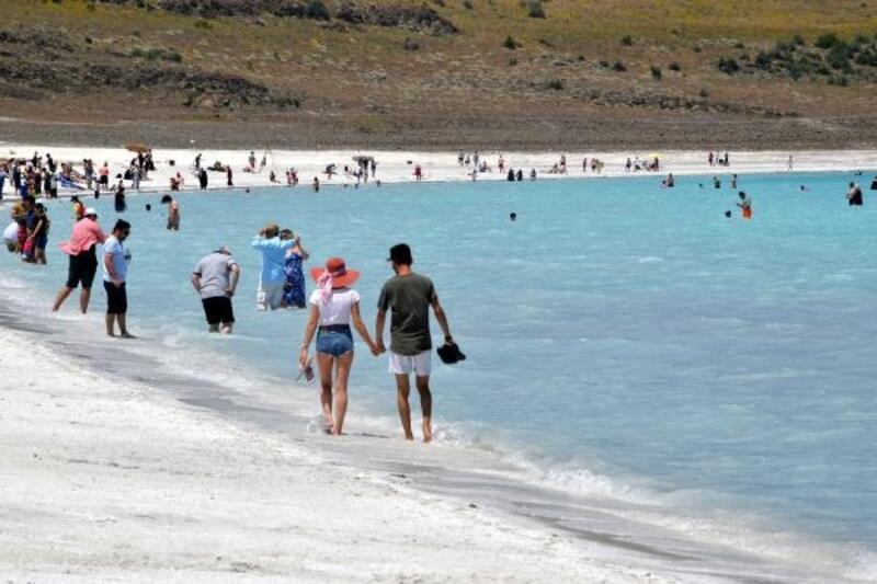 Salda Gölü'ne 1 milyondan fazla ziyaretçi bekleniyor