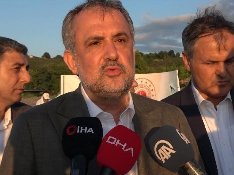Bakan Yardımcısı Birpınar, Akçakoca'da temizlik çalışmalarını inceledi