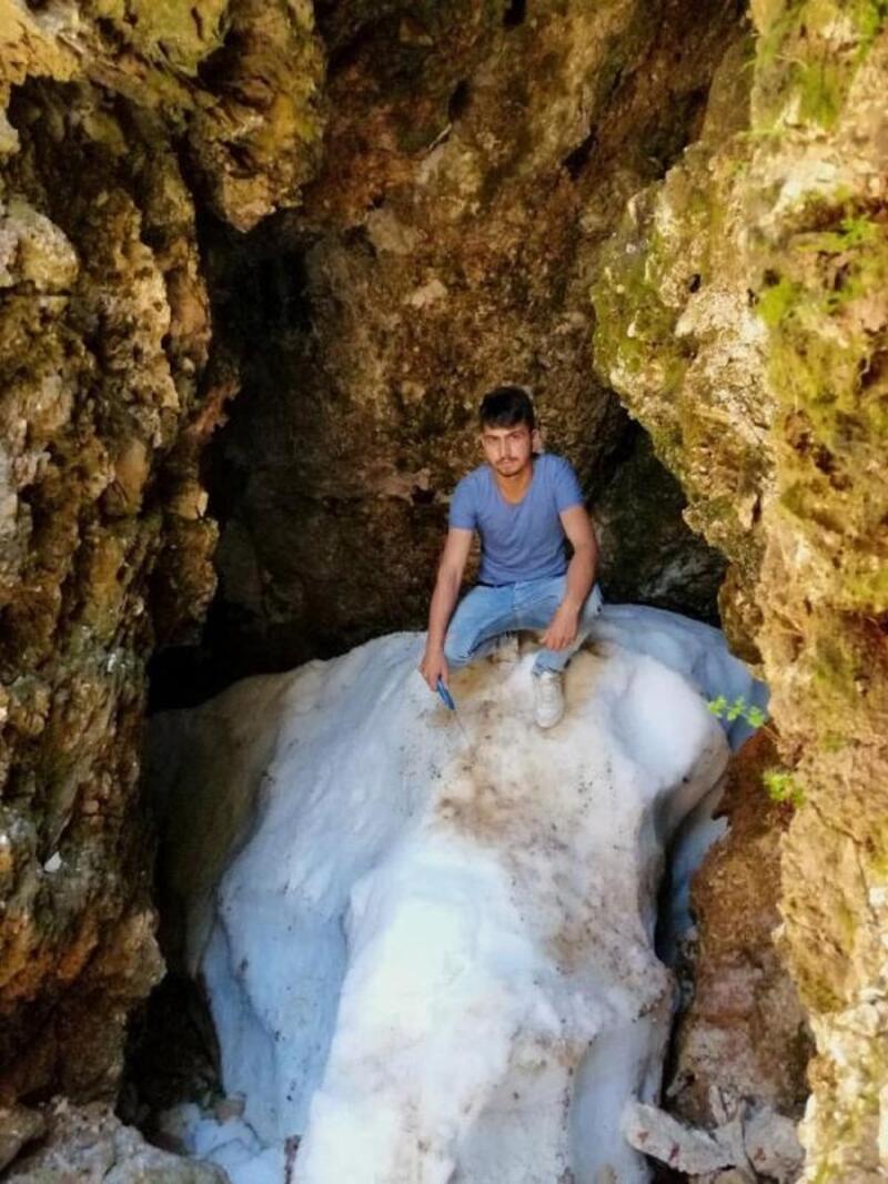 Yaz ortasında Çameli'de kar keyfi