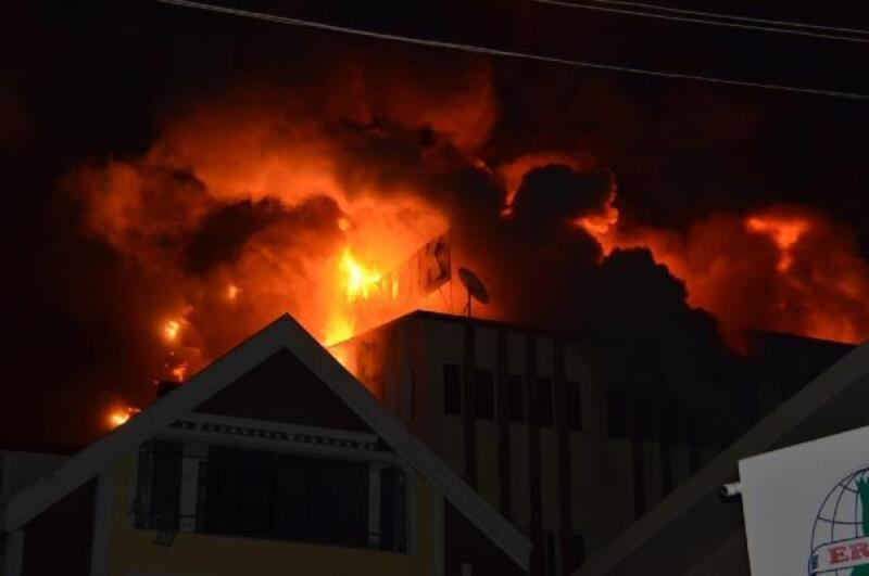 Zonguldak'ta, fındık kırma fabrikasında yangın
