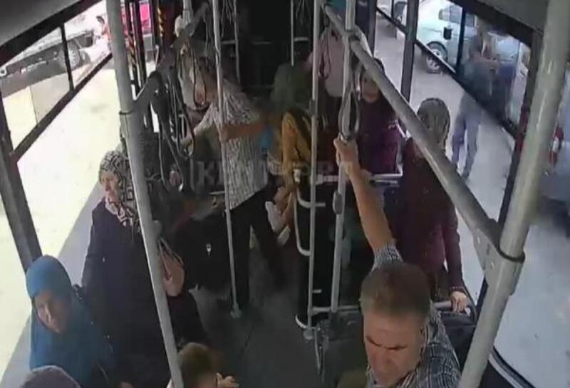Halk otobüsü şoförü, fenalaşan yolcuyu hastaneye yetiştirdi