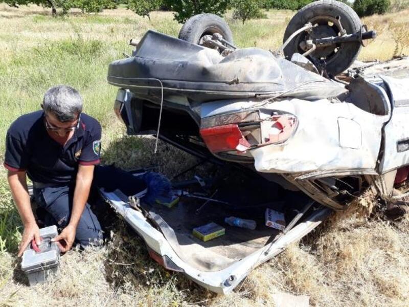 Malatya'da şarampole devrilen otomobilin sürücüsü öldü