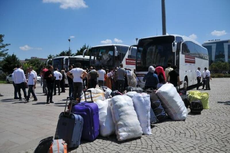 Esenyurt'ta 117 Suriyeli göçmen ülkelerine uğurlandı