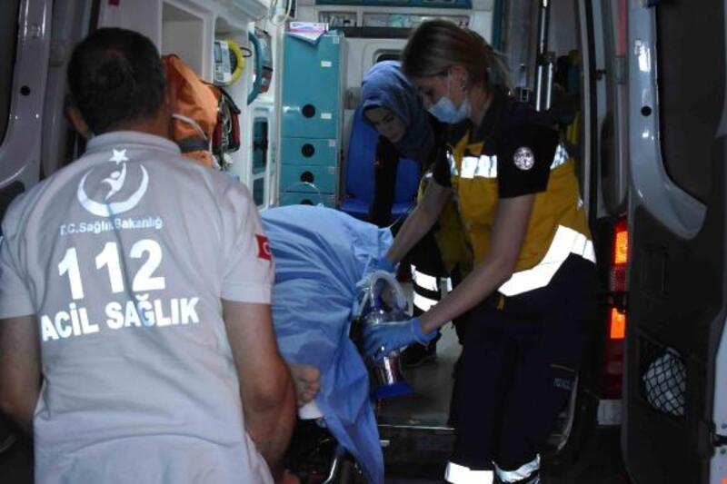 Konya'da komşuların silahlı kavgası: 1'i çocuk, 3 yaralı