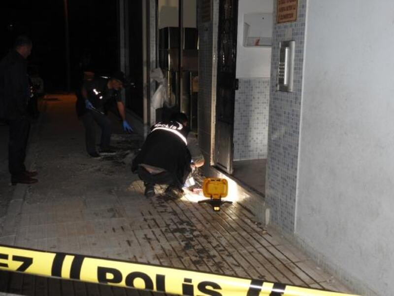 Çorum'da pastane ve binaya molotoflu saldırı