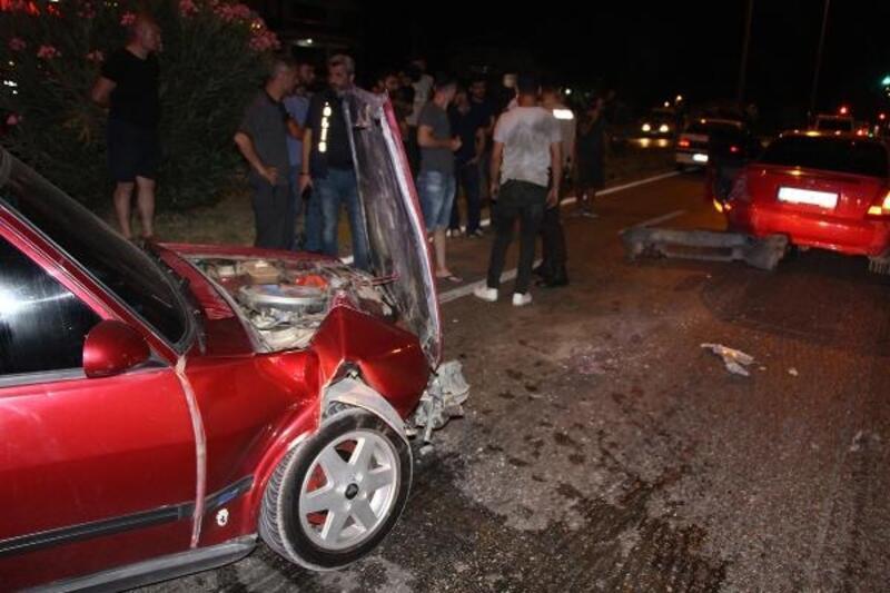 Manisa'da otomobiller çarpıştı: 1 yaralı
