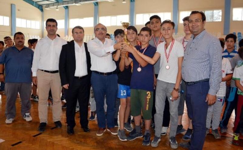 Korkuteli'de Futsal Turnuvası sona erdi