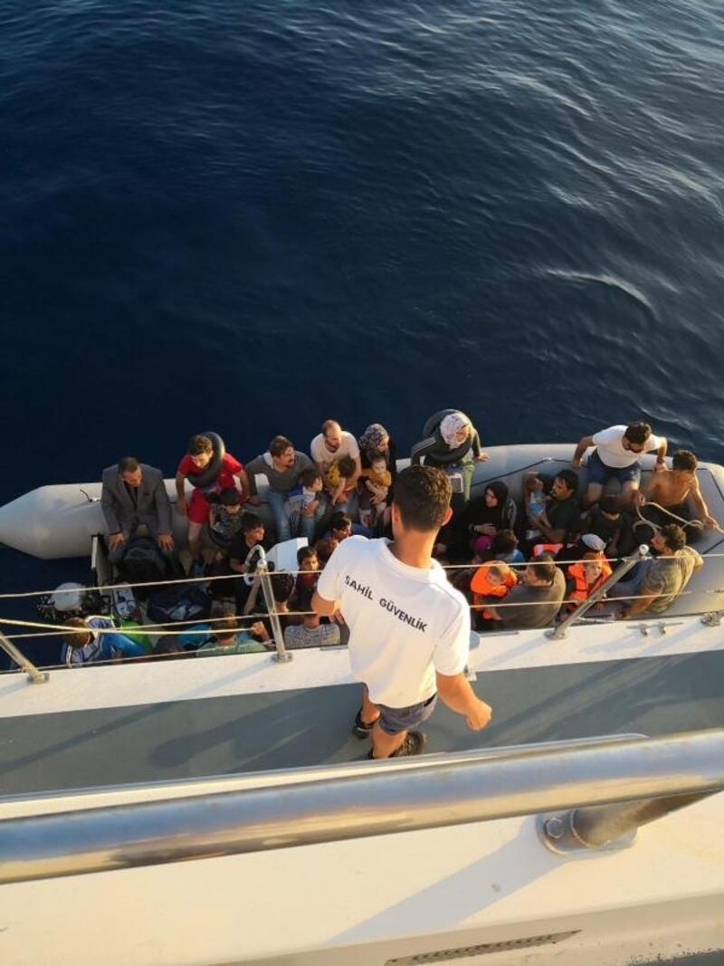 Didim'de 128 kaçak göçmen ile 1 organizatör yakalandı