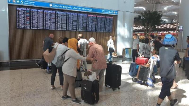 İstanbul Havalimanı'nda bayram hareketliliği başladı... THY 59 ek sefer koydu