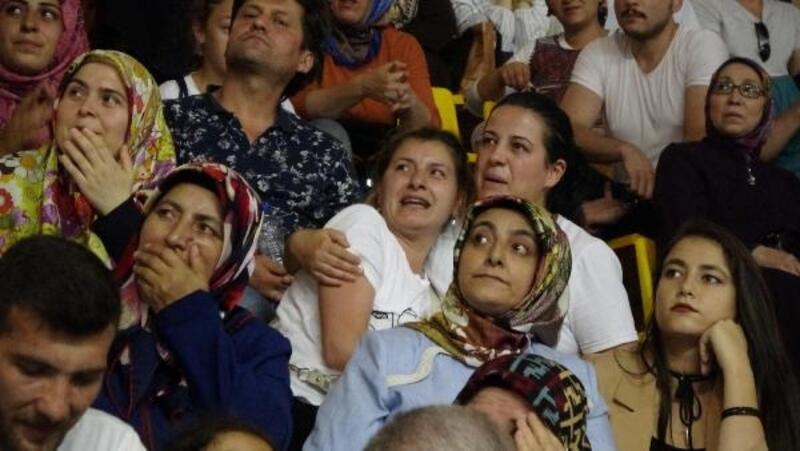 TOKİ kurasında çıkınca sevinç gözyaşları döktüler