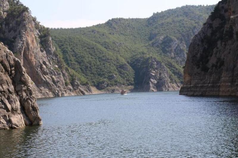 Şahinkaya Kanyonu'na turist akını