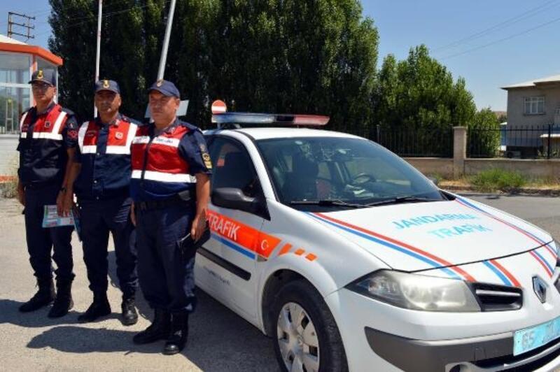 Jandarma ekipleri bayram öncesi denetimleri artırdı