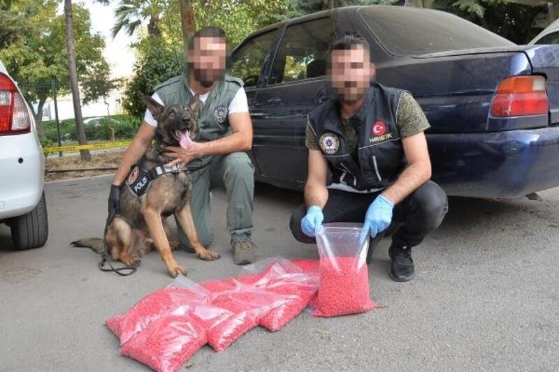 Mersin'de 72 bin 500 ecstasy hap ele geçirildi