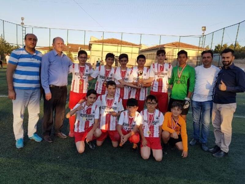 Kuran kursu öğrencileri arasında futbol turnuvası