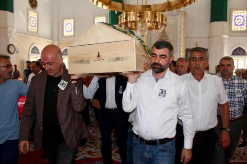 AK Parti'li Miroğlu'nun babası son yolculuğuna uğurlandı