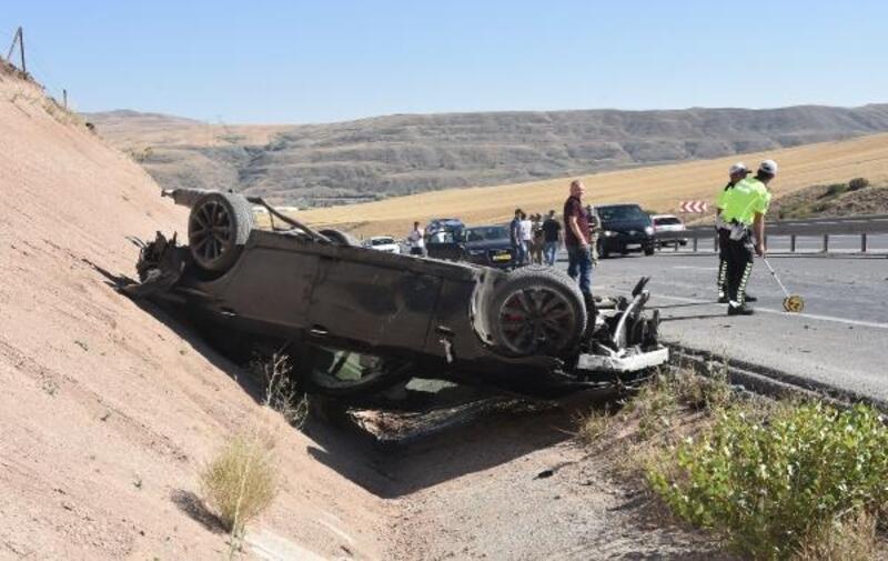 Bayram için gelen gurbetçiler kaza yaptı: 4 yaralı