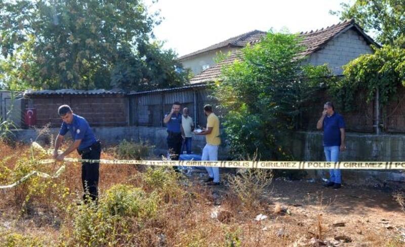 Boş arazide 19 yaşındaki gencin cesedi bulundu