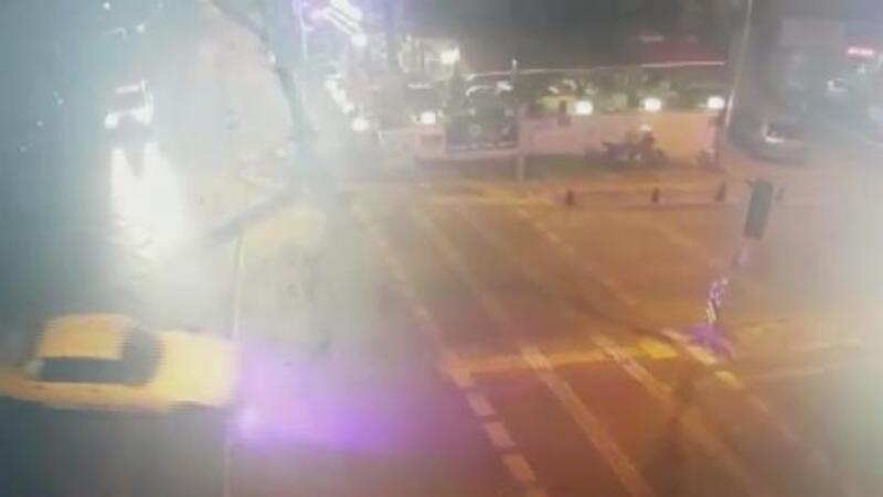 Kadıköy drift yapan sürücü ile polis arasındaki kovalamaca kamerada