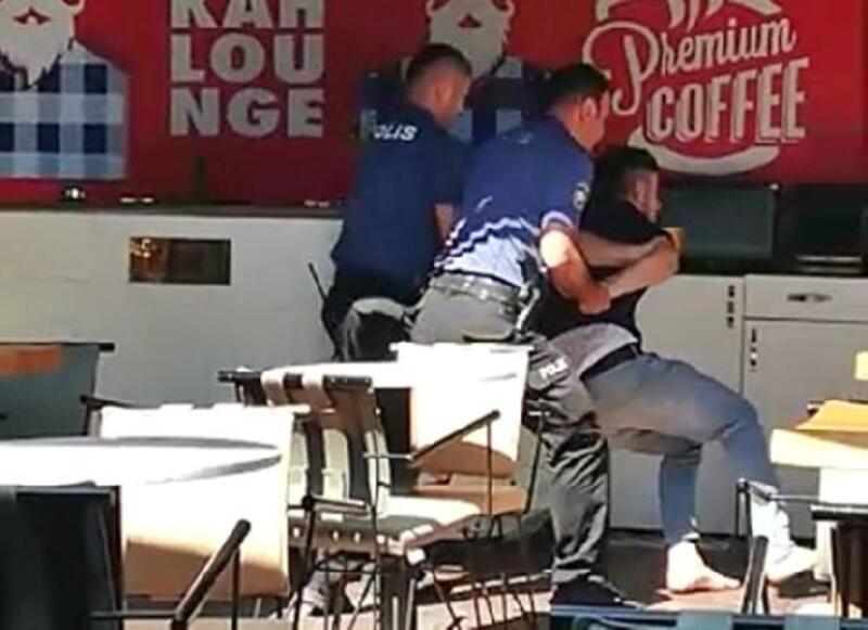Restoranda taşkınlık yapınca yaka paça gözaltına alındı