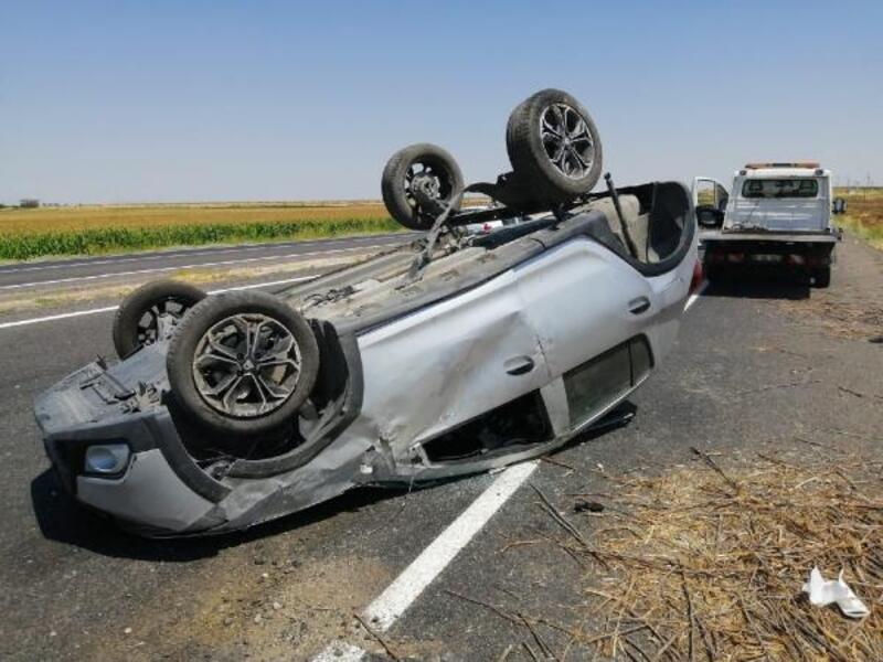 Şanlıurfa'da devrilen otomobildeki 5 kişi yaralandı