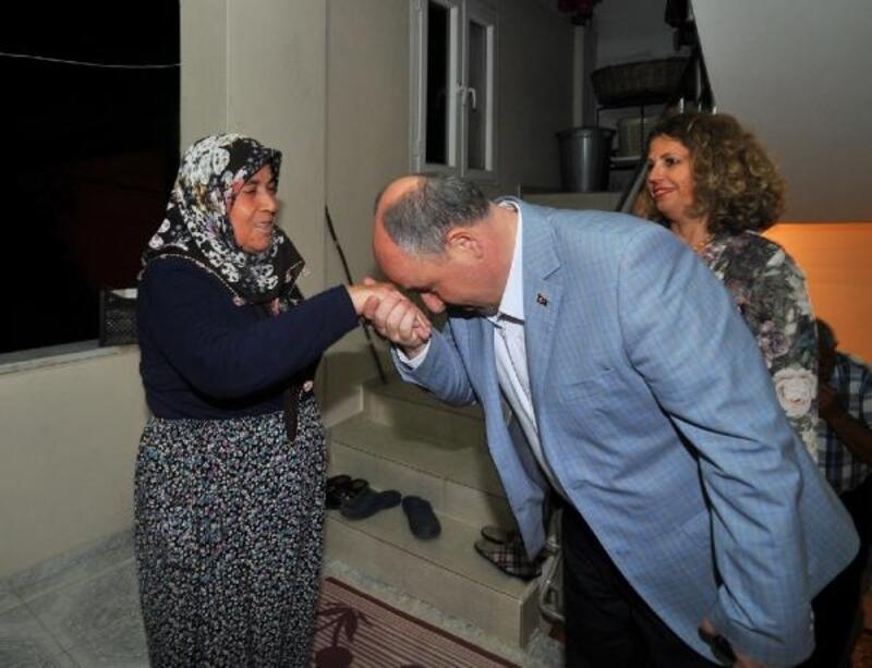 Vali Coşkun'dan şehit ailesine bayram ziyareti