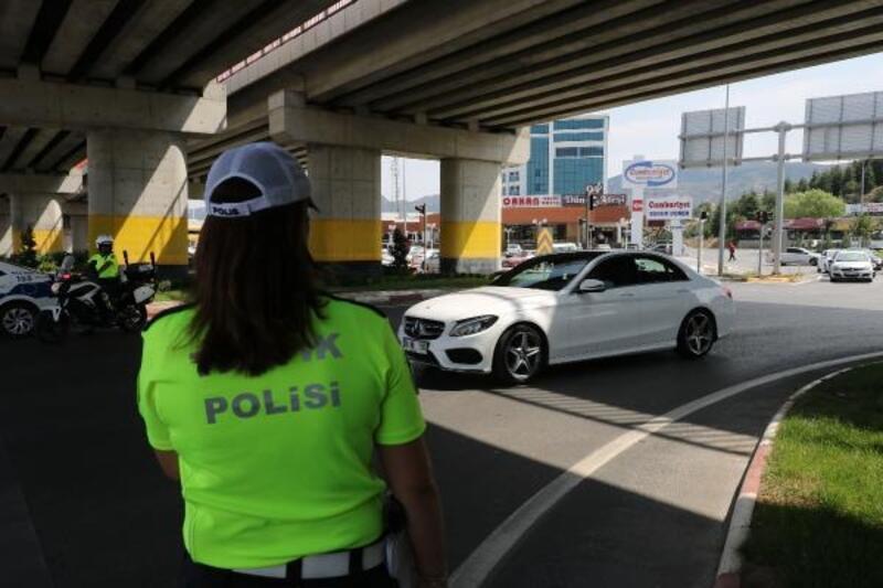 Afyonkarahisar'da bayram dönüşü trafik yoğunluğu