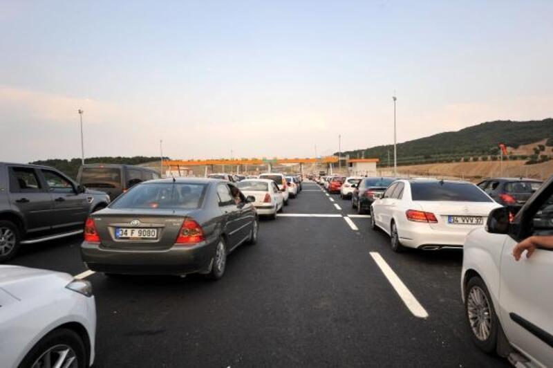 İstanbul-İzmir Otoyolu'nda bayram tatili dönüşü başladı