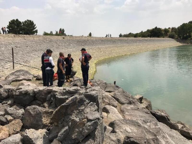 Göle giren Afgan genç, boğuldu