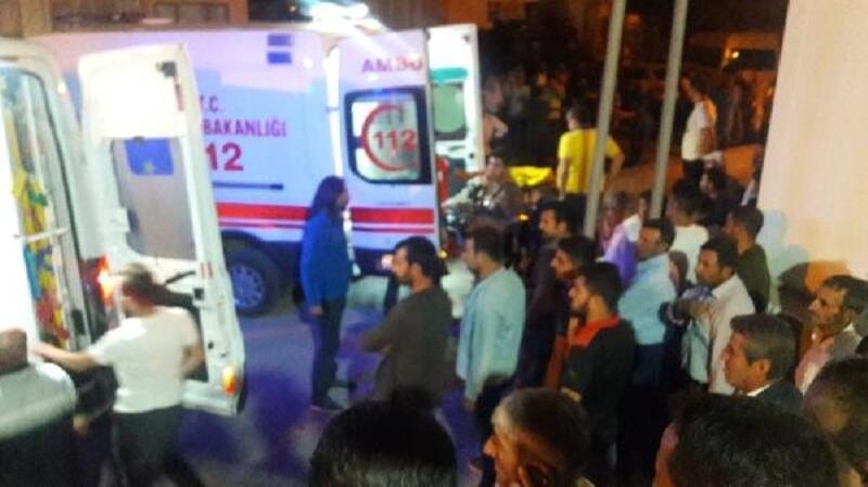 Başkale'deki kazada aynı aileden 10 kişi yaralandı