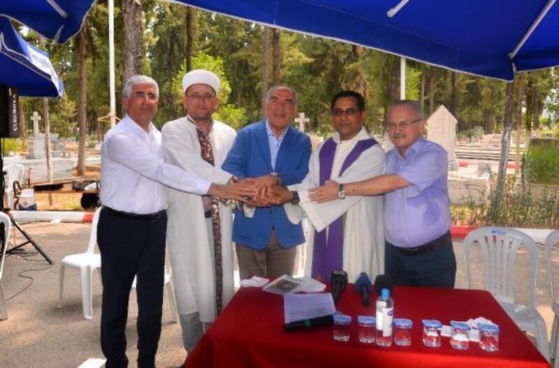 Mersin'de din adamları, Hoşgörü Mezarlığı'nda buluştu