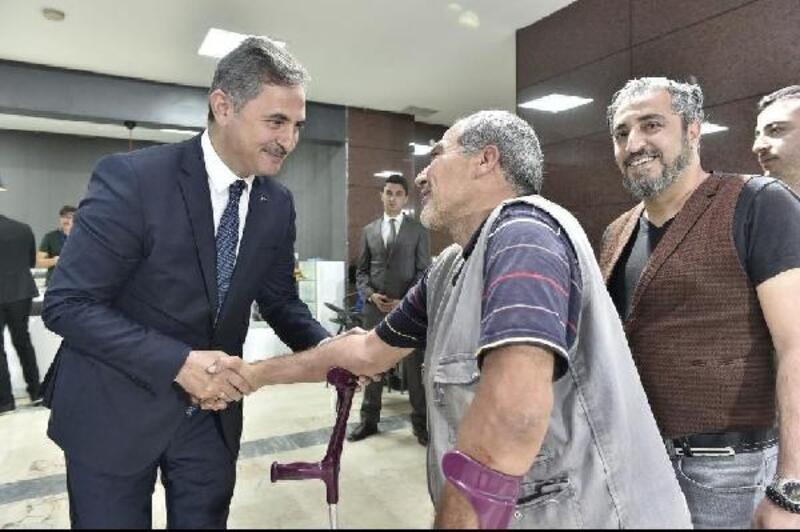 Başkan Köse, personel ve vatandaşla bayramlaştı