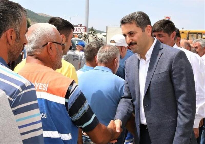 Eroğlu, Belediye personeliyle bayramlaştı