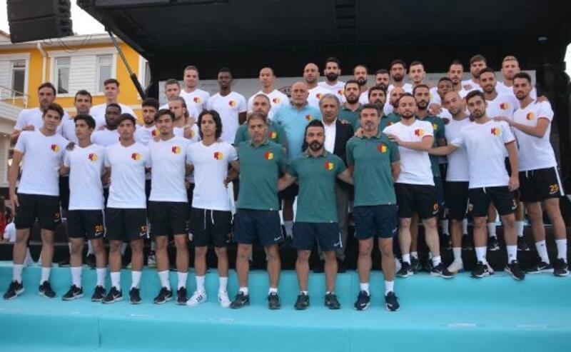 İstikbal Mobilya Kayserispor, transfer tanıtım töreni düzenledi