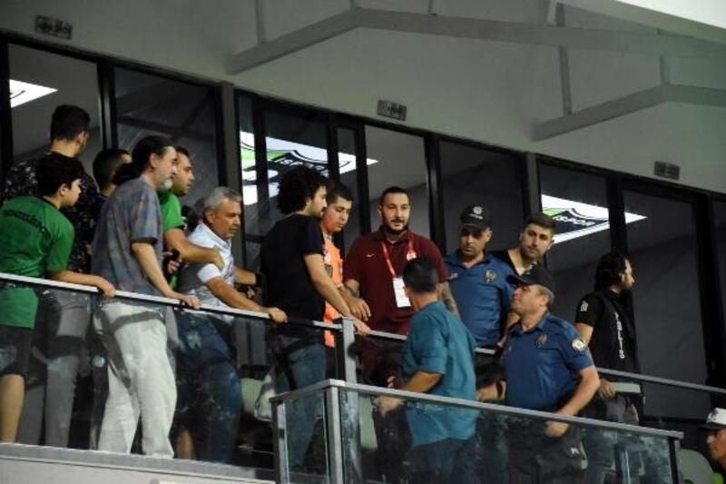 Denizlispor - Galatasaray maçında gerginlik